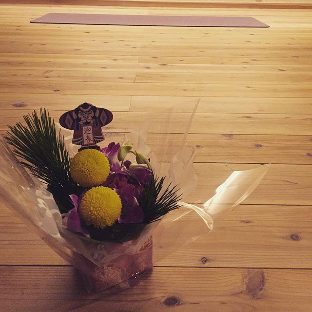 あけましておめでとうございます今年も楽しく温かくヨガをお伝えしたく…よろしくお願いします。#草津#ヨガ