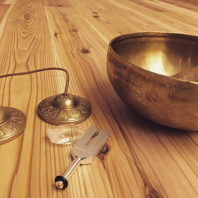 3/20(mon) ヴィンヤサ&陰ヨガ 2本立てです^_^静と動、陰と陽の調和楽しめます。#yoga #vinyasa #陰ヨガ #hinoriyoga #草津