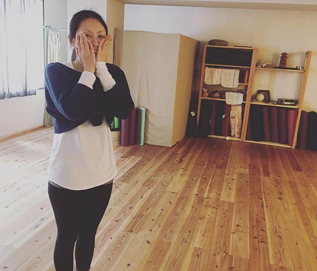 ある日のひろこちゃん。レッスン後のリラックスしたひろこちゃん。今日も楽しいレッスンありがとう!#ヨガ #yoga #草津 #ヒノリヨガスタジオ