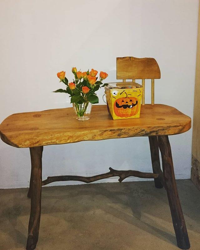ちょっぴり.#ハロウィーン#ちょっぴりだけ#雰囲気を楽しもう#オレンジのミニバラ #滋賀#草津#ヨガ#ヒノリヨガスタジオ