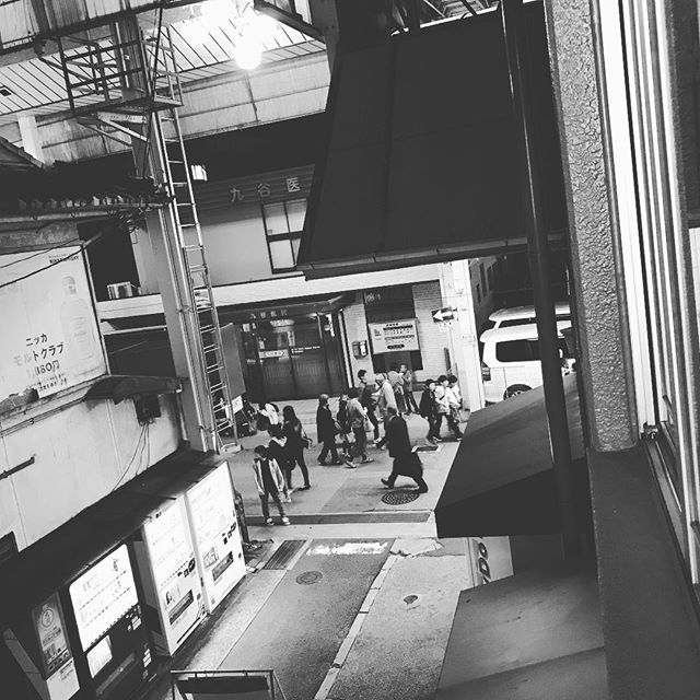 こんばんは。本日と明日は、ヒノリヨガ前の商店街は【草津街あかり華あかり夢あかり】というお祭りでにぎにぎしています。近辺の駐車場は空きがあるところはありましたが、たくさん人が通られますため、お車でお越しの際はゆっくり、ゆったりと心にゆとりを持ってお越しくださいませ。